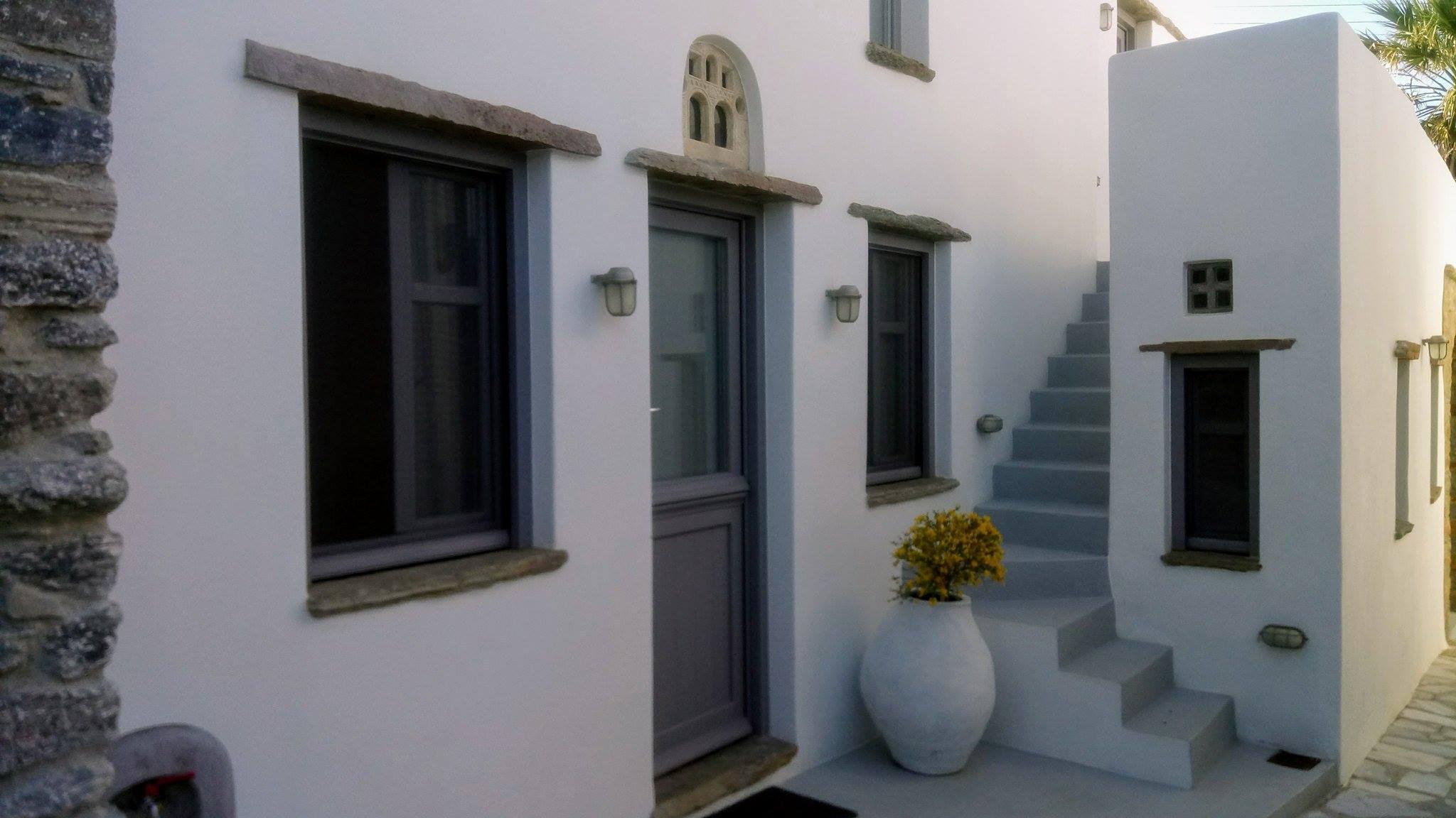 Tutti Blu Living Space όπως λέμε Τηνιακή Φιλοξενία, γράφει η Γιάννα.