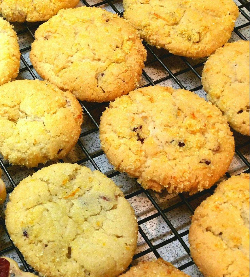 Πορτοκαλένια cookies, γράφει η Έφη.