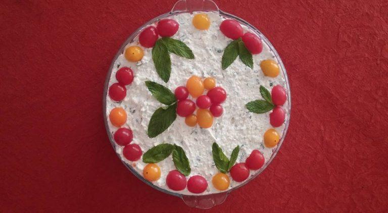 ΜΑΘΗΜΑΤΑ ΑΥΤΟΓΝΩΣΙΑΣ απ' την κουζίνα της ΓΙΑΓΙΑΣ, γράφει η Βάσω – Άννα Δεμένεγα.