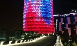 Torre Glories – Ο φωτισμένος ουρανοξύστης της Βαρκελώνης, γράφει η Έφη.