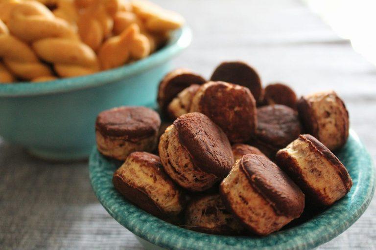Μπισκότα βουτύρου με πικρό κακάο και ξύσμα πορτοκαλιού, γράφει η Γιάννα