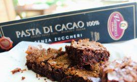 Σοκολατένια Brownies με πάστα κακάο 100%, γράφει η Νεφέλη