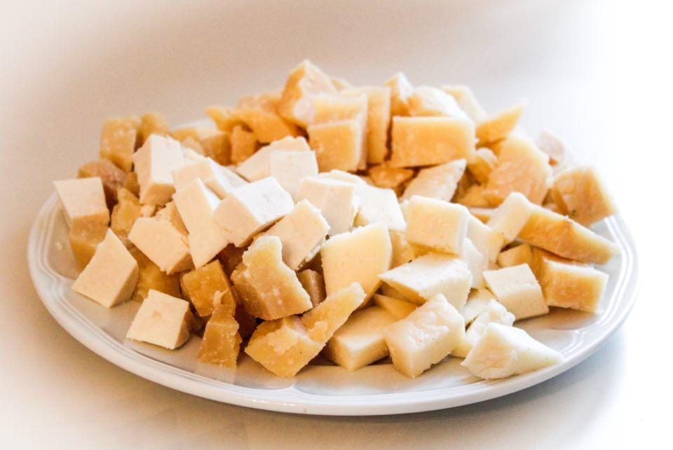 Ελληνική Eταιρεία: Τα ευπαθή τυριά των Κυκλάδων στο Σάββατο του Παραγωγού.