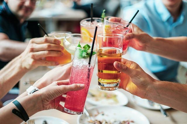 Οι σκέψεις μιας μαμάς για το αλκοόλ στη νέα γενιά.